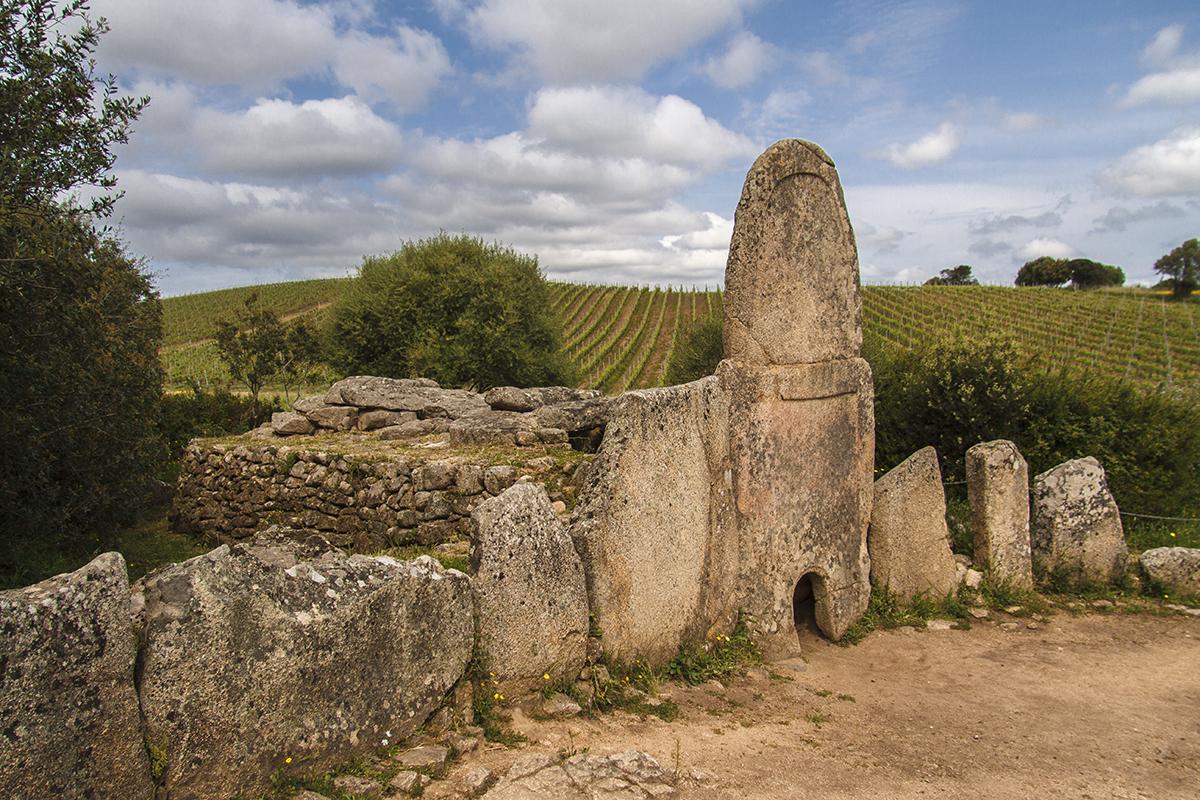 "The Giants' tomb ""Lu Coddu Vecchju"", Arzachena (OT)."